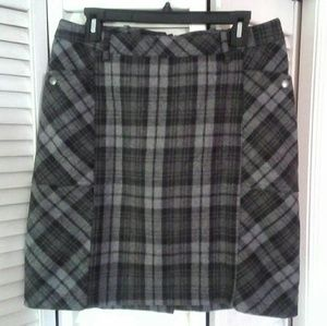 Eddie Bauer  Grey / Black Plaid Wool Blend Skirt